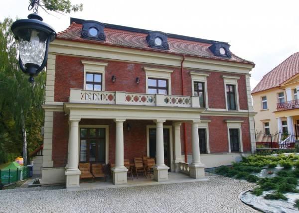Charlotta Hotel