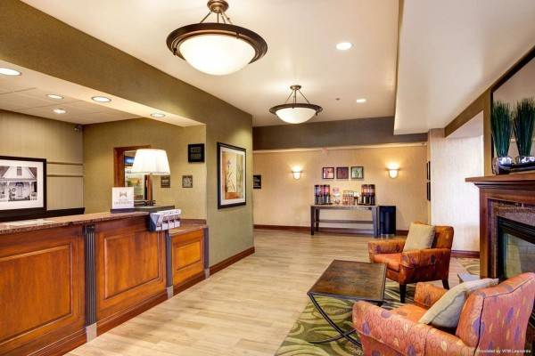 Hampton Inn - Suites Addison
