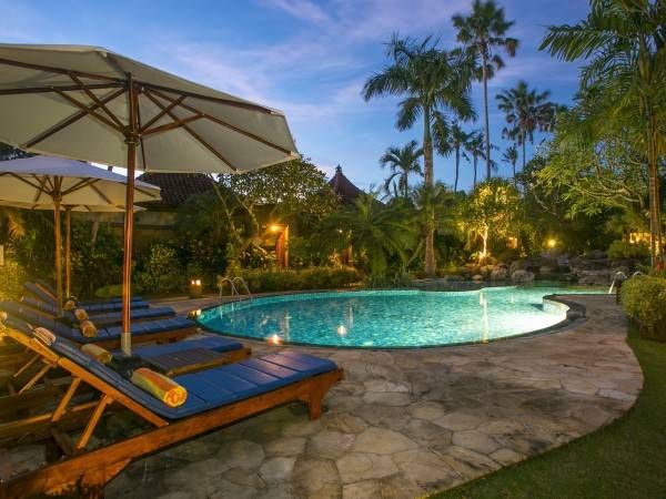 Hotel Parigata Villas Resort