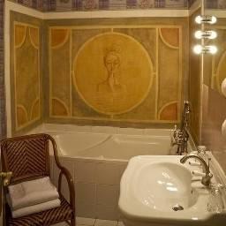 Hotel Abbaye Des Vaux De Cernay