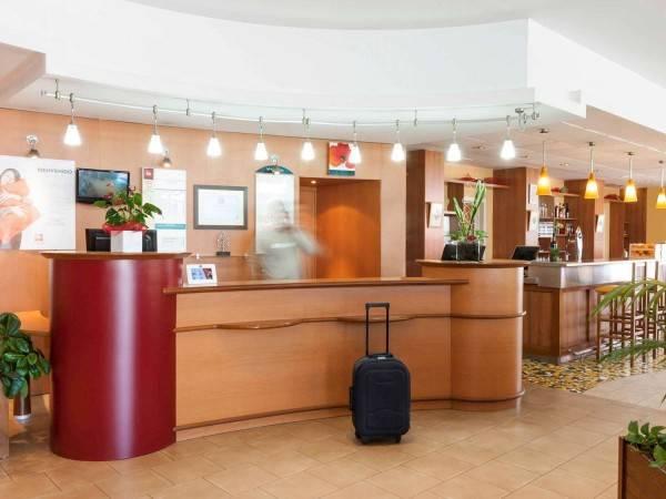 Hotel ibis Valencia Bonaire Aeropuerto