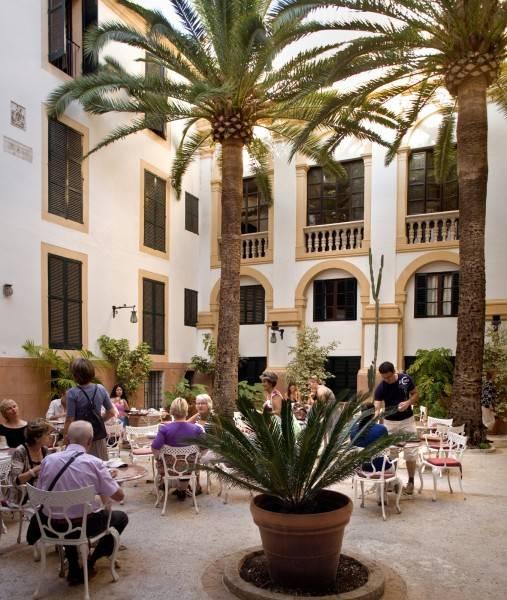 Born Hotel Residencia