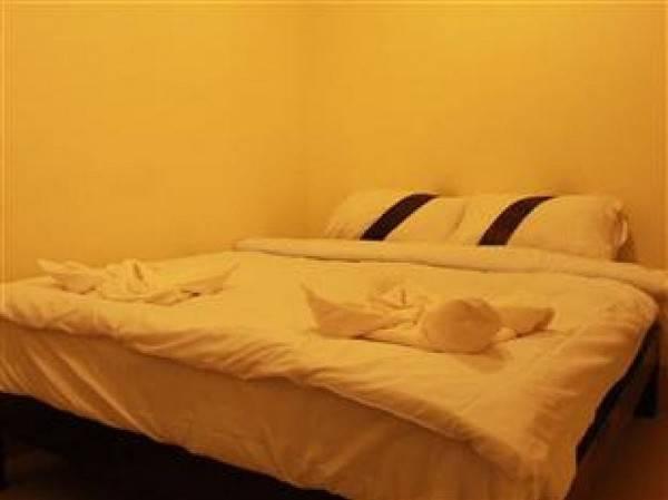 Hotel Lanna Beach Guesthouse
