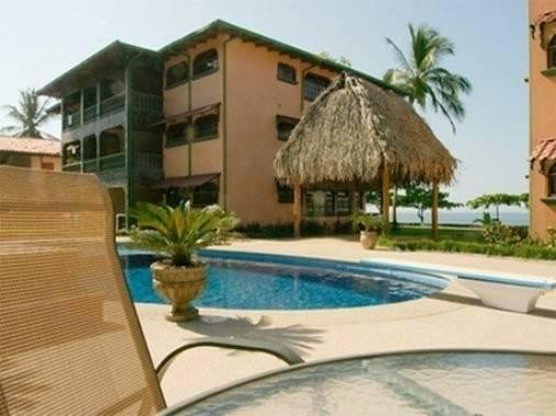 Marea Brava Hotel And Condos