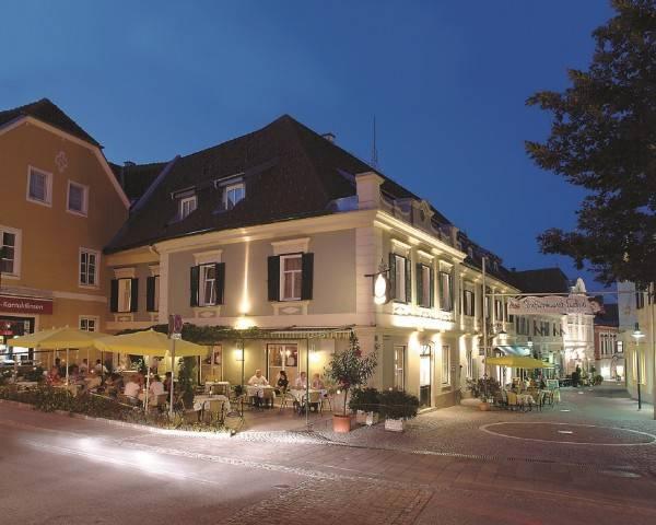 """Hotel Gasthof-Restaurant """"Zum Brauhaus"""""""