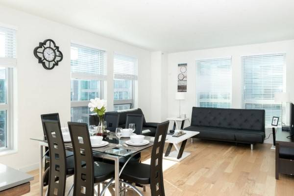 Hotel Sleeps 5-6 Guests Capitol Hill Fully Furnished Apartments