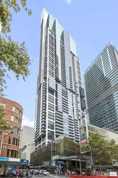 Hotel Meriton Suites World Tower
