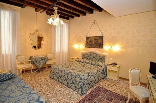 Hotel Alla Campana