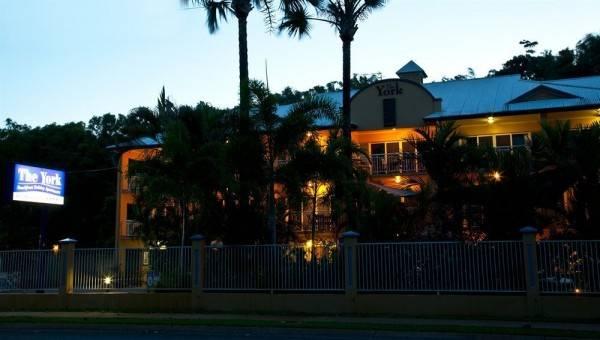 Hotel The York Beachfront Holiday Apartments