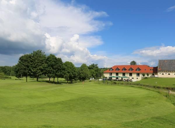 Hotel Apartments Golfpark Schlossgut Sickendorf