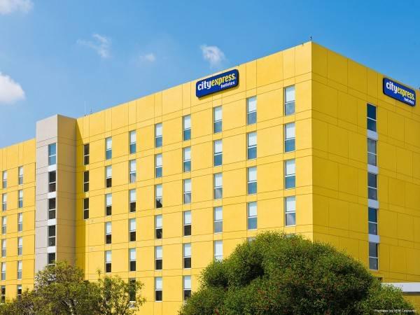 Hotel City Express Santiago Apto