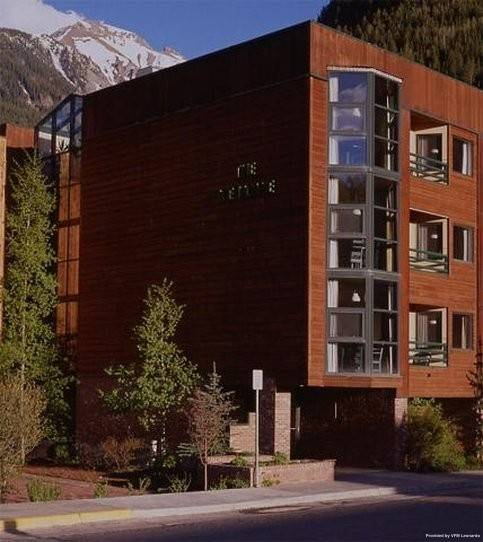 Hotel Ice House Suites and Condominiums