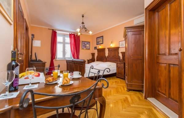Hotel Amoret Apartments
