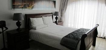 Hotel Five A Morris