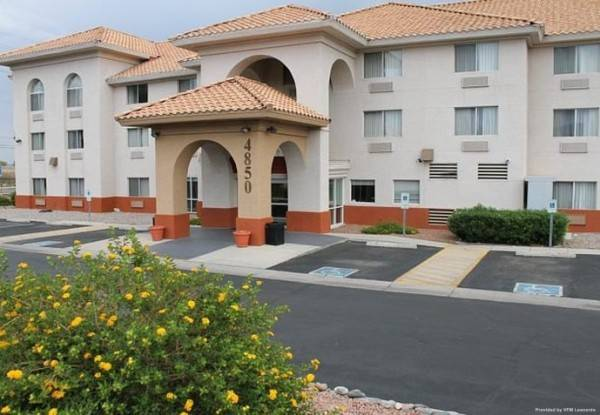 Comfort Inn and Suites near Kino Sports