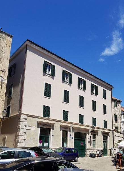 CroParadise Hostel & Apartments