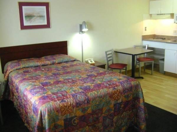 Hotel InTown Suites San Antonio West