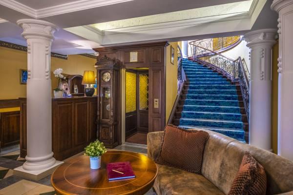 Hotel Erla Villa
