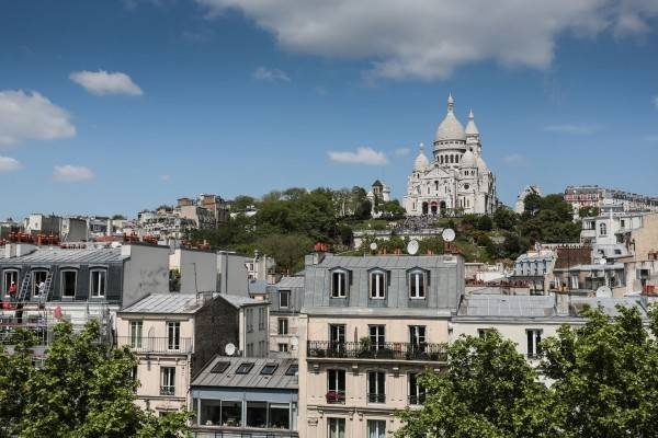 Le Regent Montmartre by Hiphophostels