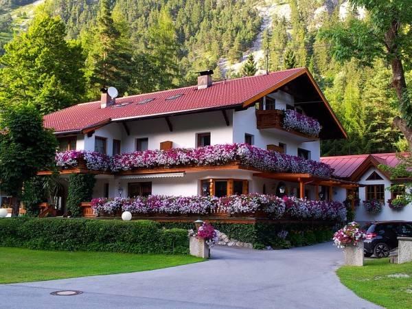 Hotel Gästehaus Almrausch