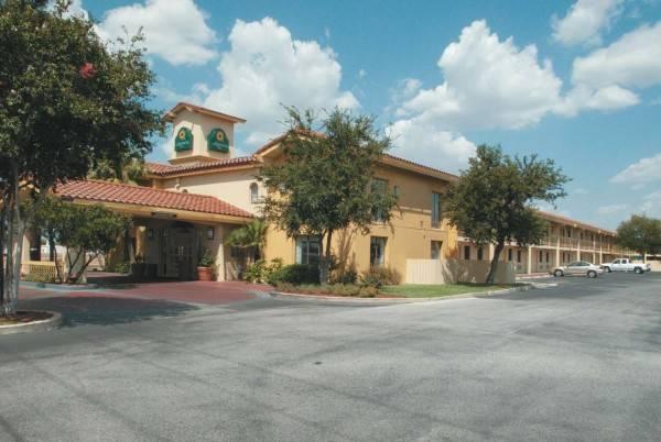 La Quinta Inn I35 N Rittiman Rd