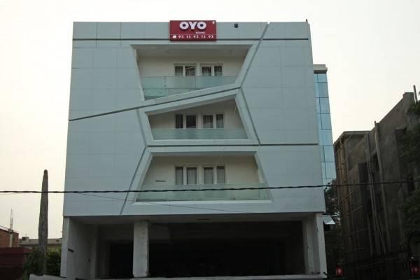 Hotel OYO Flagship North Campus