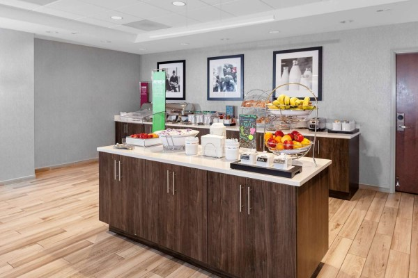 Hampton Inn and Suites Chicago-Burr Ridge