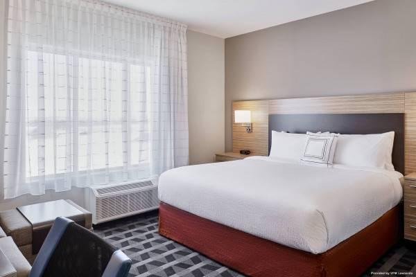 Hotel TownePlace Suites Medicine Hat