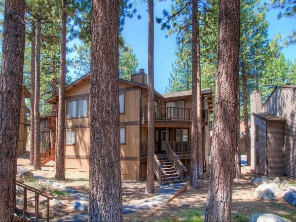 Hotel Lake Village Luxury 3 Br condo by RedAwning