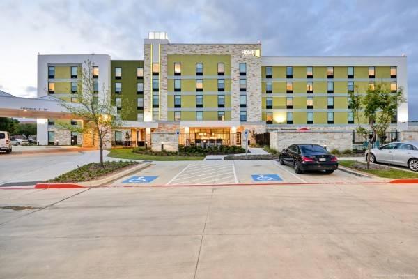 Hotel Home2 Suites by Hilton Dallas/Addison