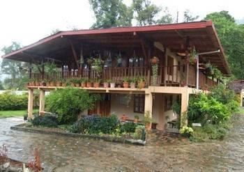 Hotel Los Quetzales Ecolodge & Spa