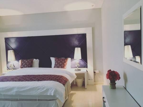 Hotel Nai Suites