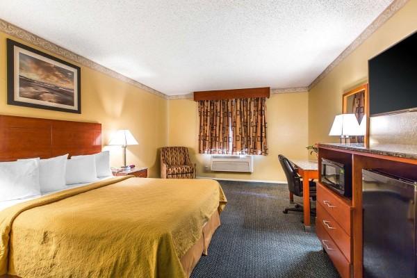 Quality Inn and Suites Camarillo