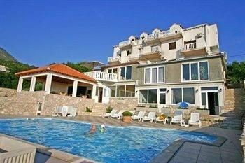 Hotel Apartments Zvrko
