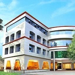 Gokulam Park Hotel & Convention Centre