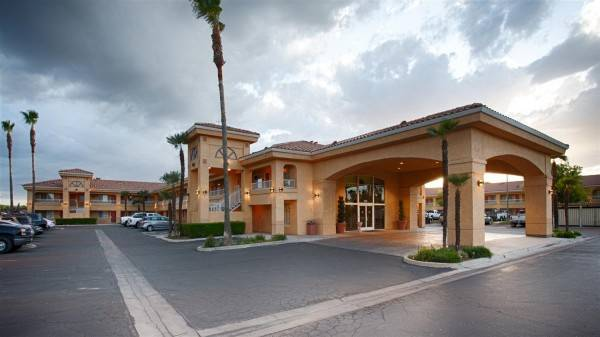 BW INN AND SUITES OF LEMOORE