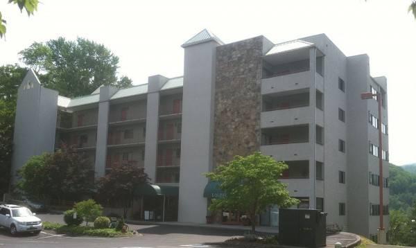 Laurel Inn Condominium