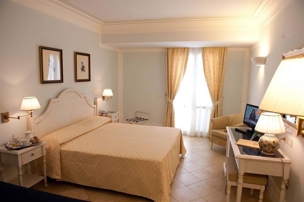 hotel villa daphne giardini naxos italy