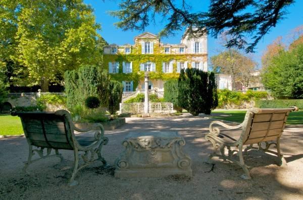 Hotel Chateau de Varenne Symboles de France