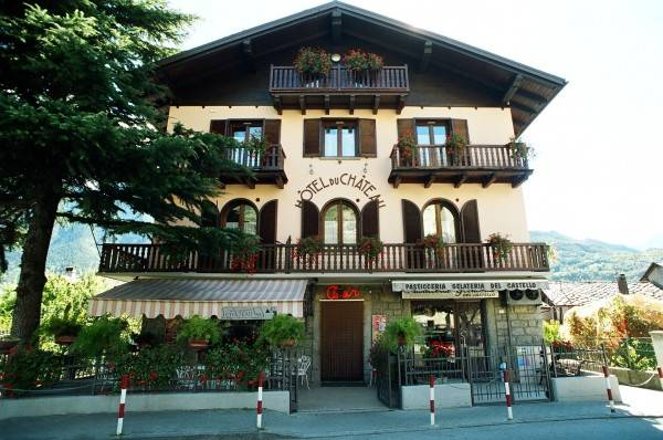 Chateau Hotel & Residence