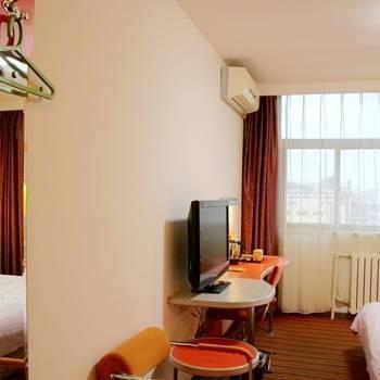 Motel 168 Qingdao Development Zone Xiangjiang Road Commercial Street Branch