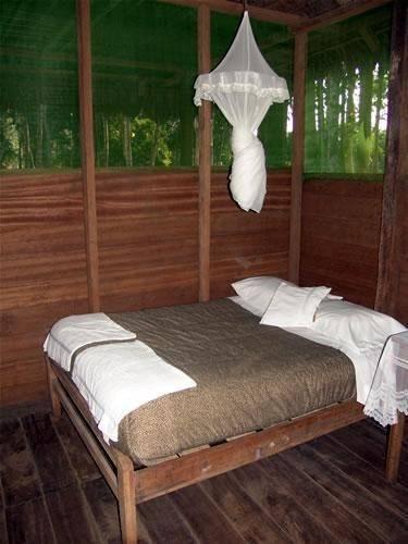 Hotel Huitoto Lake Lodge