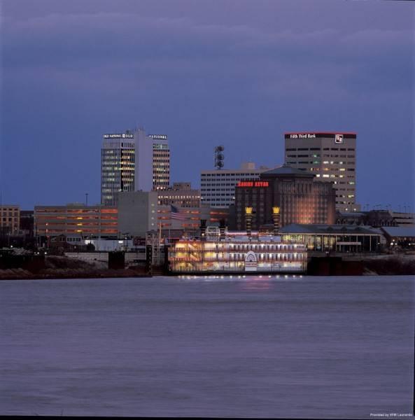Hotel Tropicana Evansville