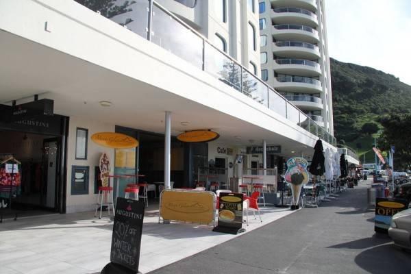 Hotel Oceanside Resort & Twin Towers