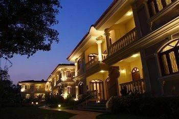 Hotel Hacienda de Goa Resort