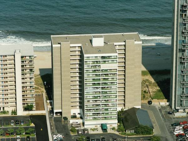 Hotel English Towers 506 2 Br condo by RedAwning
