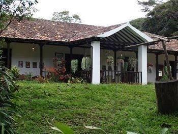 Hacienda El Roble Hotel