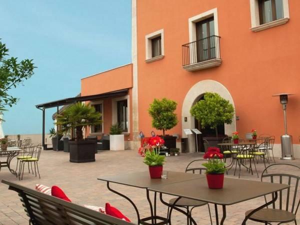 QGAT Restaurants Events & Hotel