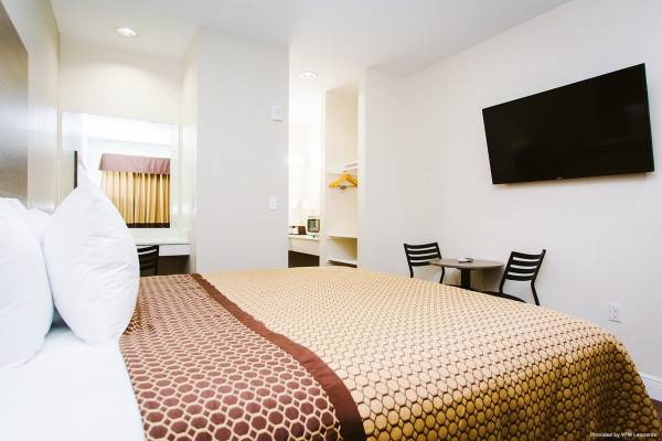 Scottish Inns and Suites Baytown TX