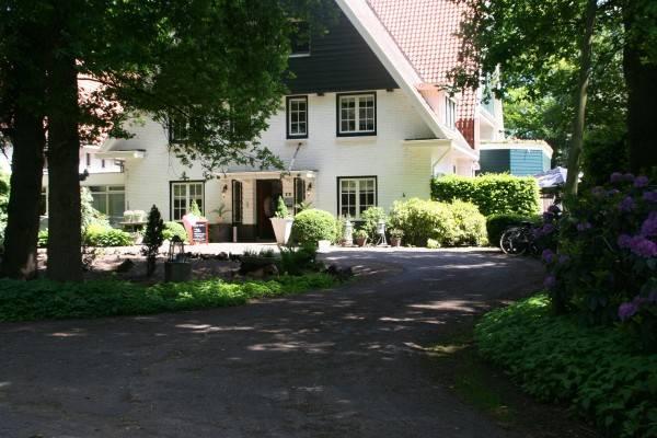 Hotel De Barones